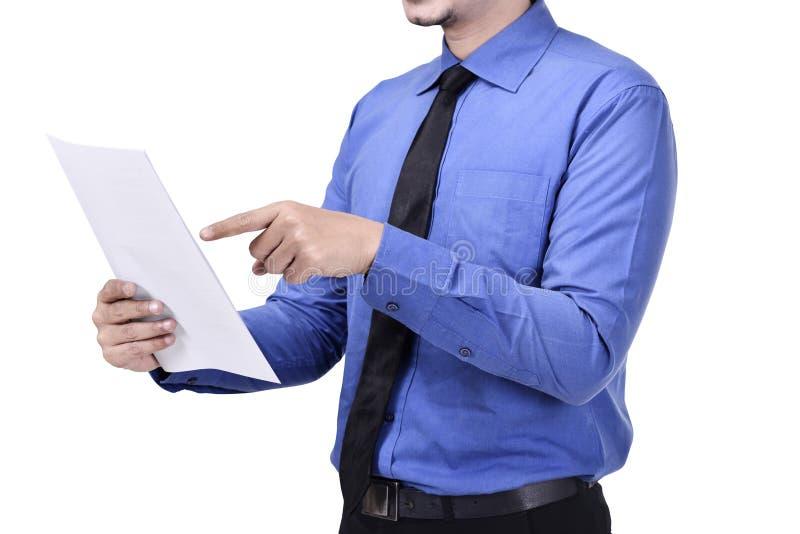 Πορτρέτο του επιχειρηματία που κρατά ένα έγγραφο στοκ φωτογραφίες με δικαίωμα ελεύθερης χρήσης