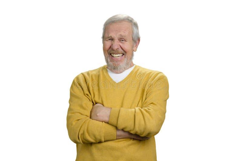 Πορτρέτο του ευτυχούς grandpa με τα όπλα που διασχίζονται στοκ εικόνες