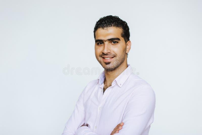 Πορτρέτο του εύθυμου συριακού ατόμου στοκ φωτογραφίες
