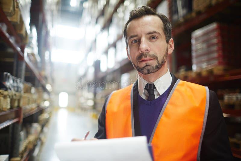 Πορτρέτο του διευθυντή αποθηκών εμπορευμάτων στοκ εικόνα με δικαίωμα ελεύθερης χρήσης