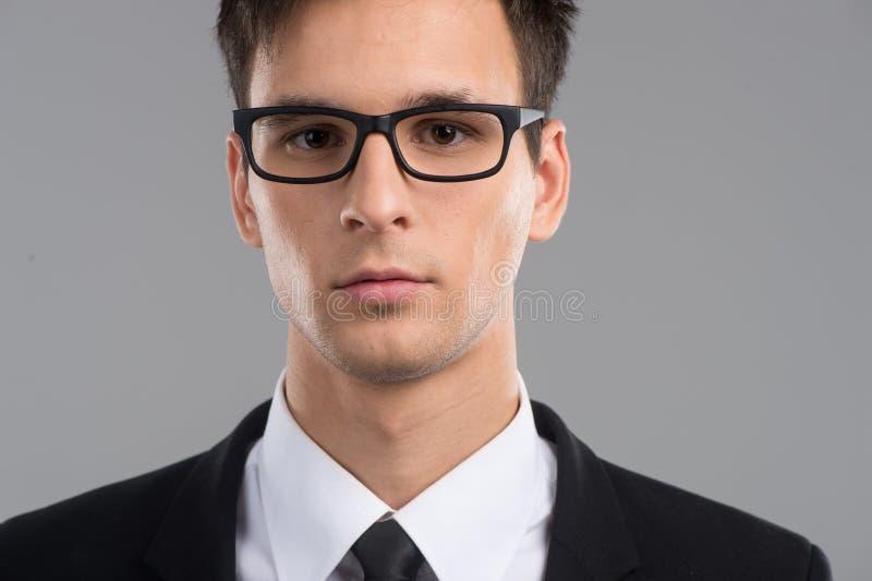 Πορτρέτο του μέσου ενήλικου ατόμου στα γυαλιά στοκ φωτογραφία με δικαίωμα ελεύθερης χρήσης