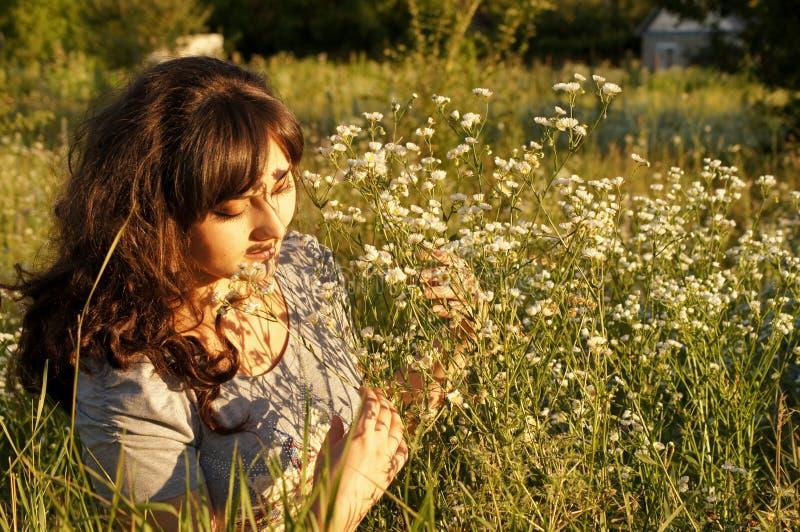 Πορτρέτο του δροσερού κοριτσιού στοκ εικόνες με δικαίωμα ελεύθερης χρήσης