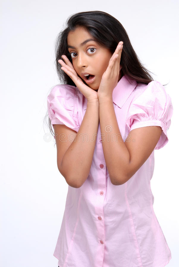 Πορτρέτο του συγκλονισμένου ινδικού κοριτσιού στοκ φωτογραφία