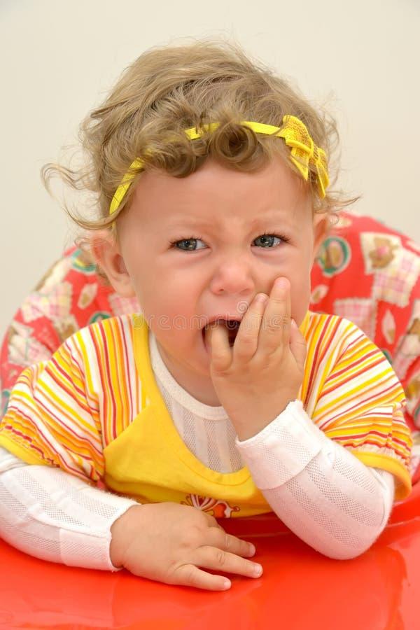 Πορτρέτο του φωνάζοντας 1χρονου κοριτσιού στοκ φωτογραφία