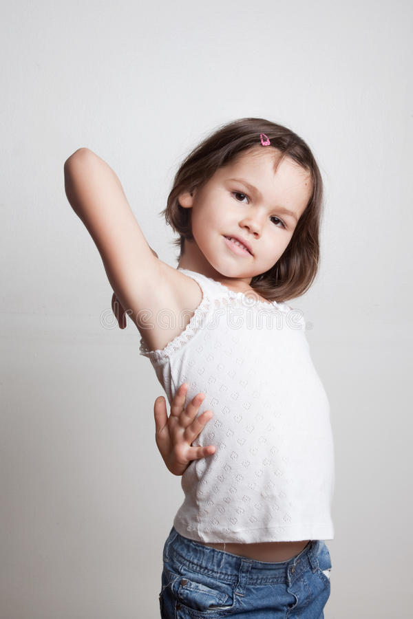 Πορτρέτο του χαριτωμένου ασιατικού προτύπου μόδας παιδιών στοκ φωτογραφία