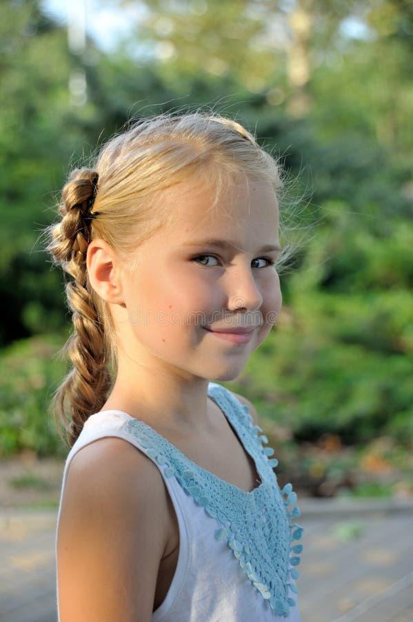Πορτρέτο του όμορφου εφηβικού στενού επάνω σχεδιαγράμματος στοκ φωτογραφίες
