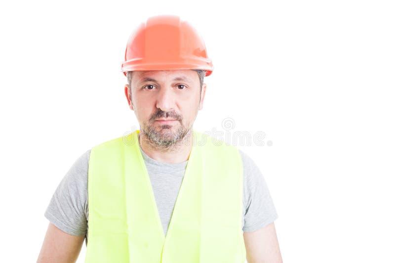 Πορτρέτο του ώριμου ελκυστικού κατασκευαστή που φορά την ασφάλεια equipme στοκ φωτογραφία με δικαίωμα ελεύθερης χρήσης
