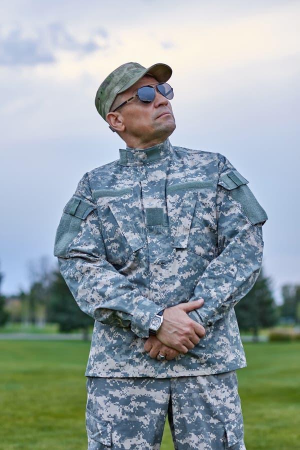 Πορτρέτο του ώριμου καυκάσιου proudful στρατιώτη στοκ εικόνες με δικαίωμα ελεύθερης χρήσης