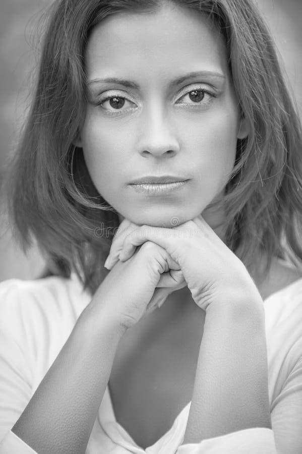 Πορτρέτο του redhead brunette στοκ εικόνες με δικαίωμα ελεύθερης χρήσης
