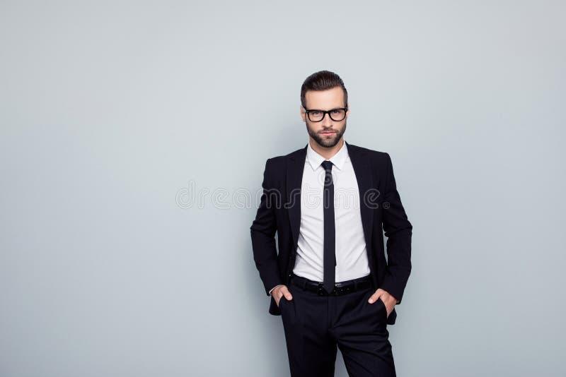Πορτρέτο του virile αρσενικού ώριμου έξυπνου ειδικού βέβαιου emplo στοκ εικόνα με δικαίωμα ελεύθερης χρήσης