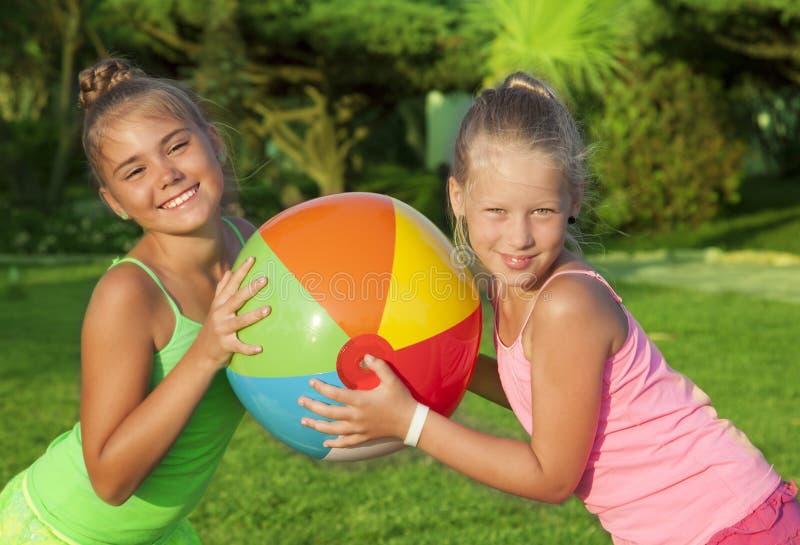 Πορτρέτο των μικρών κοριτσιών στοκ φωτογραφία με δικαίωμα ελεύθερης χρήσης