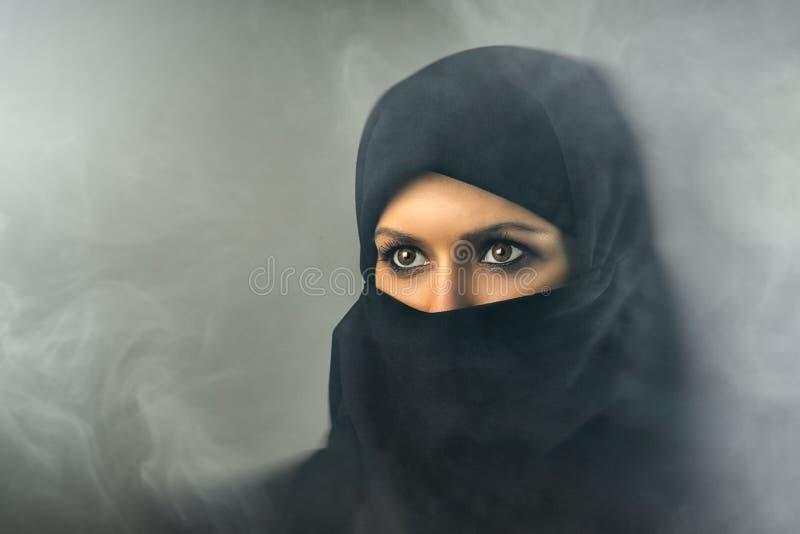 Πορτρέτο των μουσουλμανικών γυναικών στοκ εικόνα