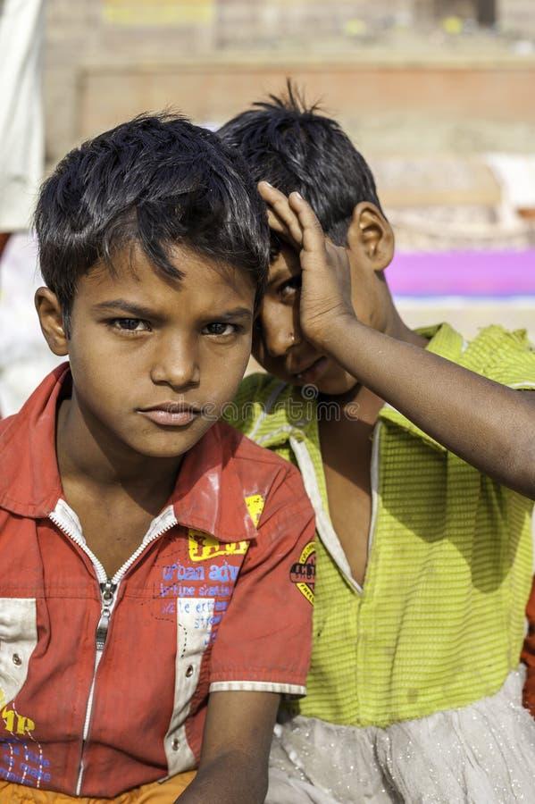 Πορτρέτο δύο νέων ινδικών αγοριών στοκ φωτογραφία