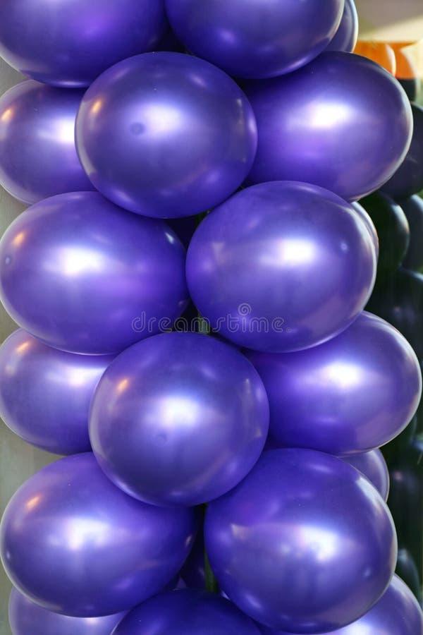 Πορφυρά μπαλόνια λατέξ στοκ εικόνες με δικαίωμα ελεύθερης χρήσης
