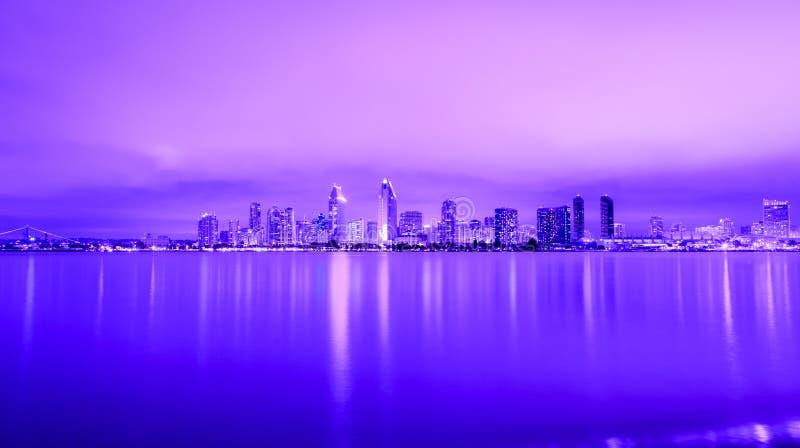 Πορφυρή πόλη στοκ φωτογραφία