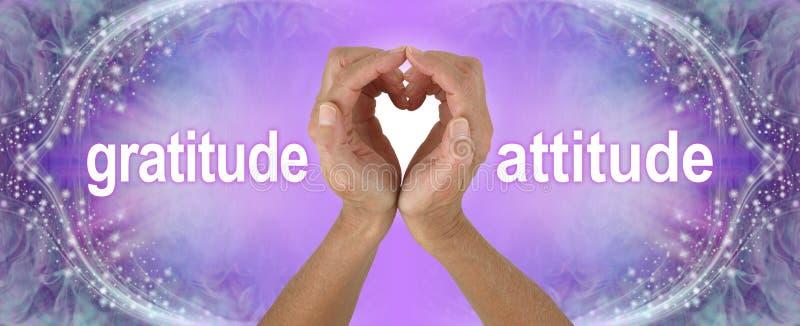 Πορφυρό έμβλημα τοποθέτησης ευγνωμοσύνης χεριών καρδιών στοκ φωτογραφία
