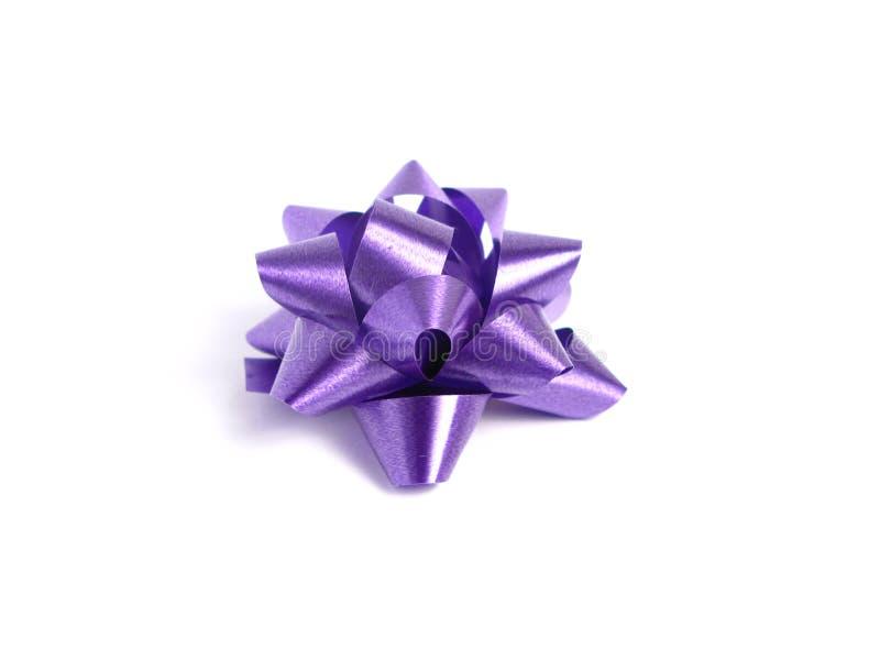πορφύρα δώρων τόξων στοκ εικόνα