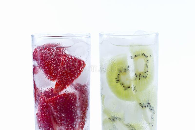 Ποτά φραουλών και ακτινίδιων στοκ φωτογραφίες με δικαίωμα ελεύθερης χρήσης