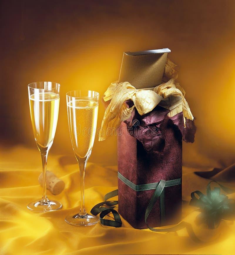 Ποτήρια του λαμπιρίζοντας κρασιού στοκ εικόνες με δικαίωμα ελεύθερης χρήσης
