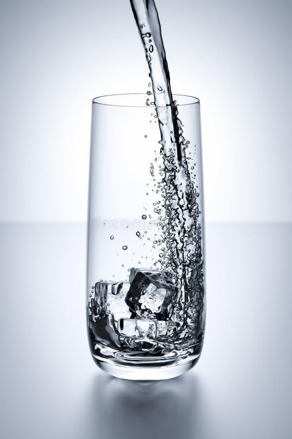 Ποτήρι του νερού απεικόνιση αποθεμάτων
