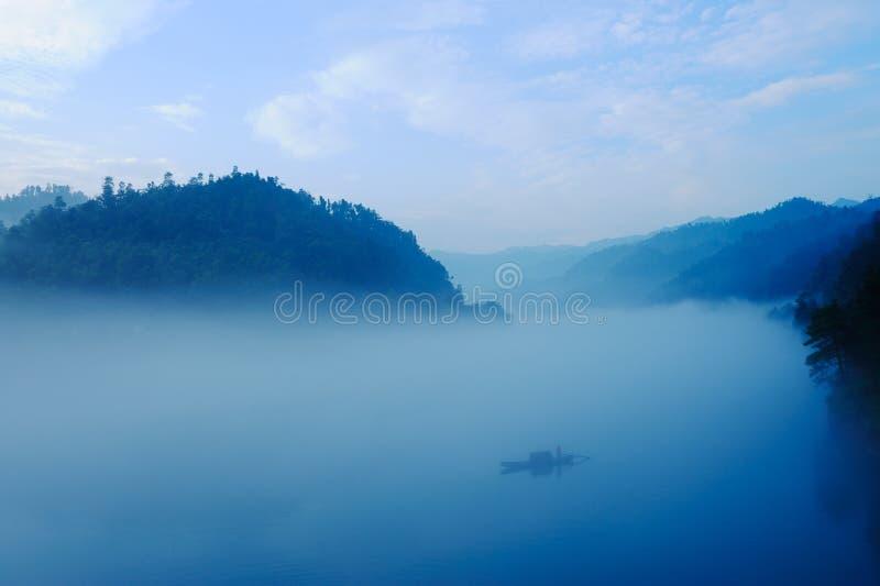 ποταμός αλιείας βαρκών στοκ εικόνες