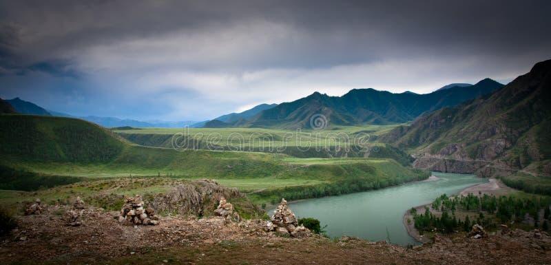 ποταμός δημοκρατιών chuya altai στοκ εικόνες
