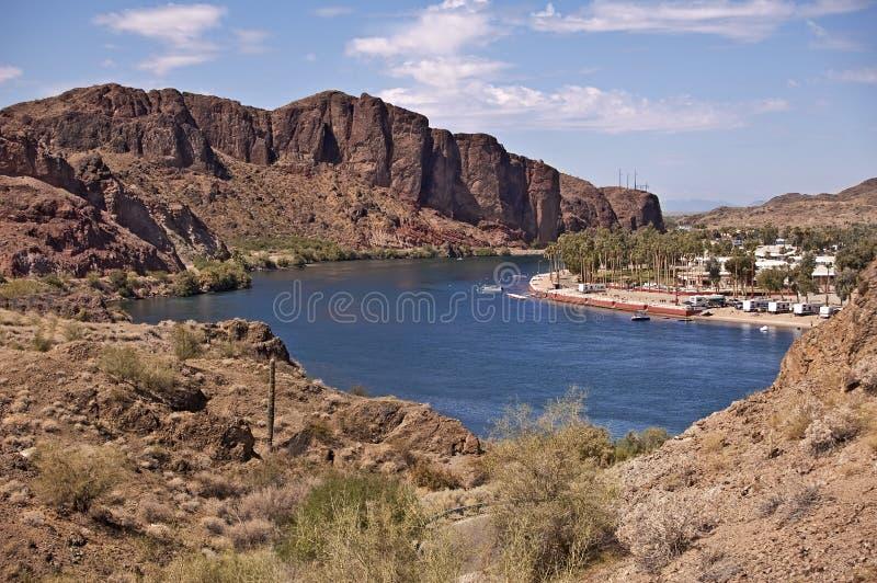 ποταμός θερέτρου ερήμων στοκ φωτογραφίες