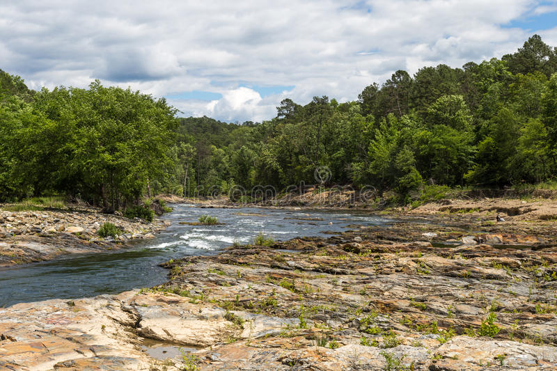 Ποταμός δικράνων βουνών στοκ φωτογραφίες με δικαίωμα ελεύθερης χρήσης