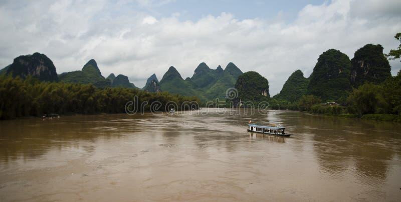 Ποταμός λι σε Yangshuo (Guilin, Κίνα) στοκ εικόνες