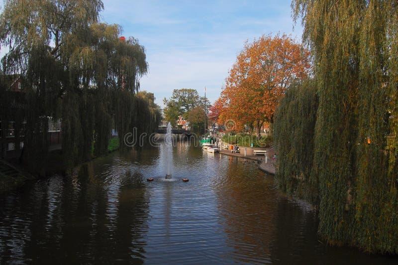 Ποταμός και δέντρα σε Nordhorn, Γερμανία στοκ φωτογραφίες με δικαίωμα ελεύθερης χρήσης