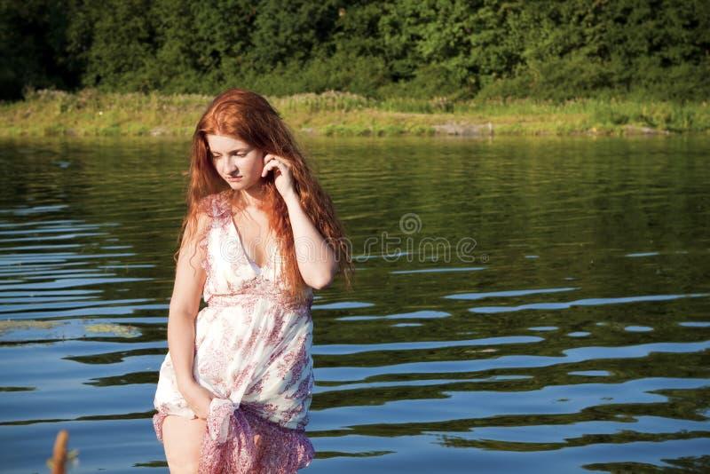 ποταμός κοριτσιών στοκ εικόνα με δικαίωμα ελεύθερης χρήσης