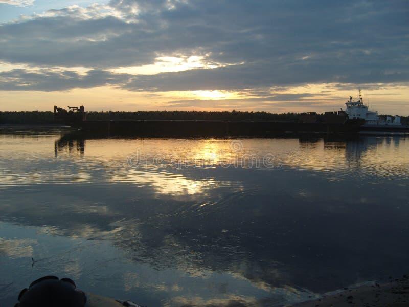 Ποταμός νύχτας στοκ εικόνες με δικαίωμα ελεύθερης χρήσης
