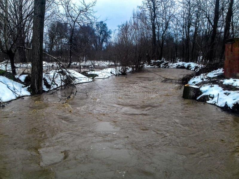 Ποταμός πλημμυρών στοκ εικόνα με δικαίωμα ελεύθερης χρήσης