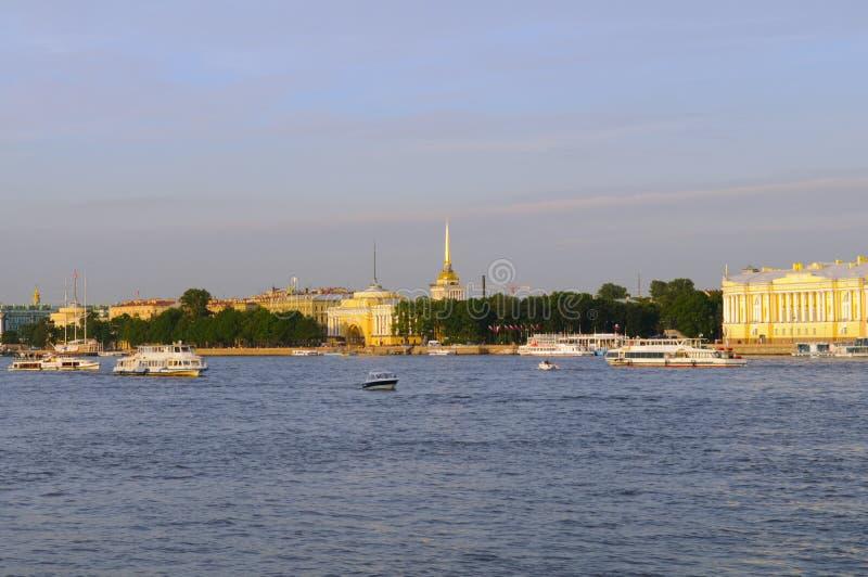 ποταμός Ρωσία ST της Πετρούπ&om στοκ φωτογραφία με δικαίωμα ελεύθερης χρήσης