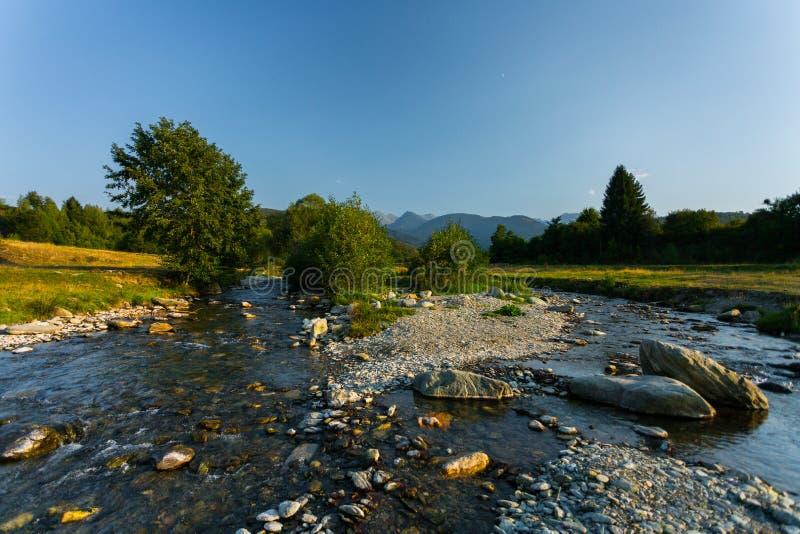 Ποταμός στην Τρανσυλβανία, Ρουμανία, Ευρώπη στοκ φωτογραφίες με δικαίωμα ελεύθερης χρήσης