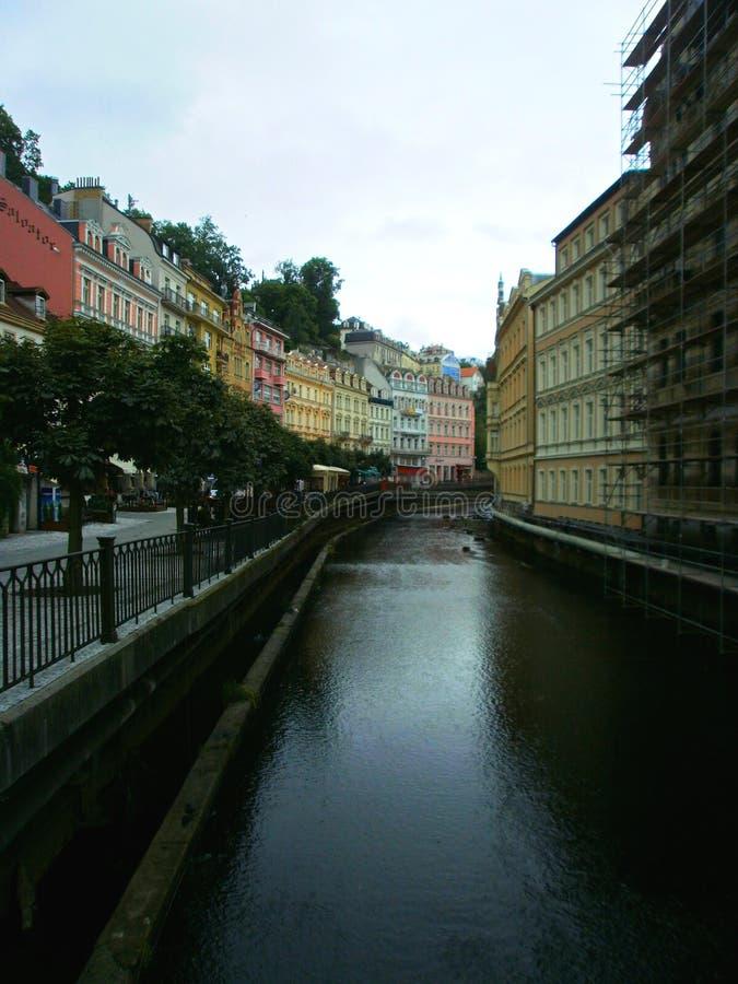 Ποταμός στο Κάρλοβυ Βάρυ στοκ φωτογραφία με δικαίωμα ελεύθερης χρήσης