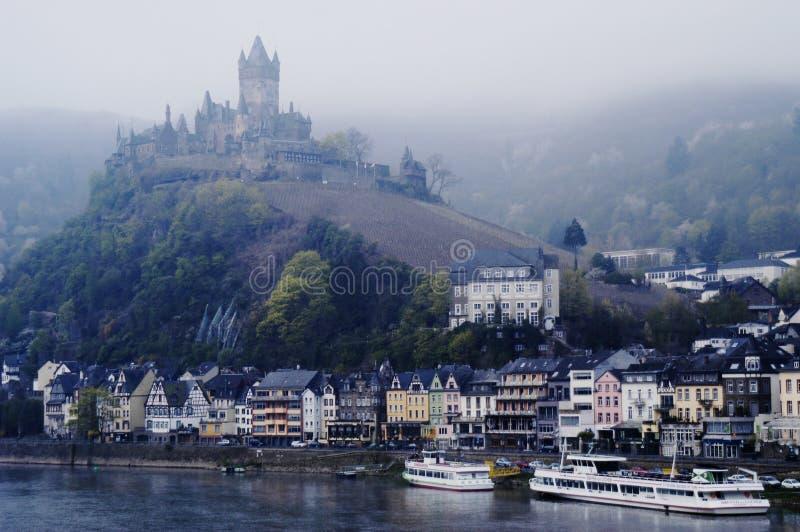 ποταμός της Γερμανίας Μοζέλλας κάστρων cochem στοκ φωτογραφία