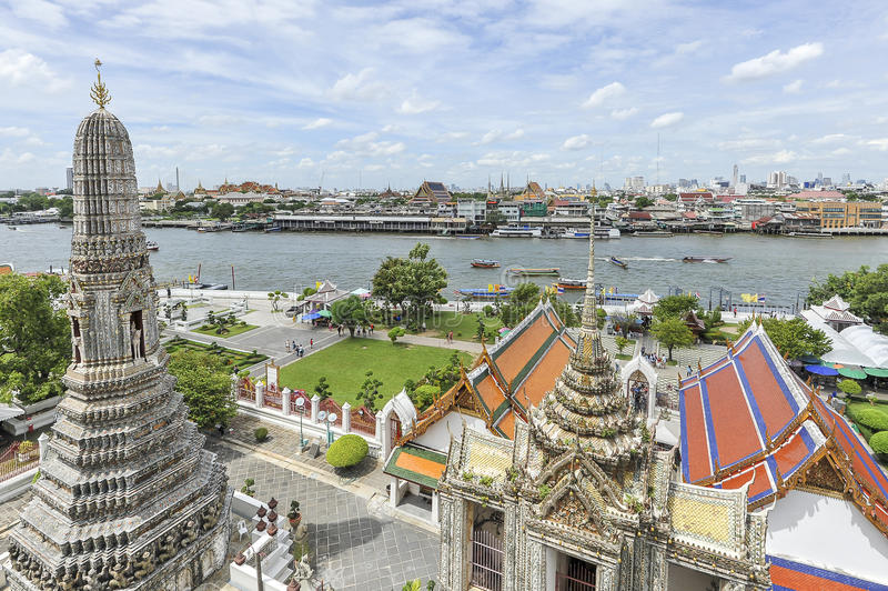 Ποταμός της Μπανγκόκ και ορίζοντας της Μπανγκόκ στοκ εικόνα