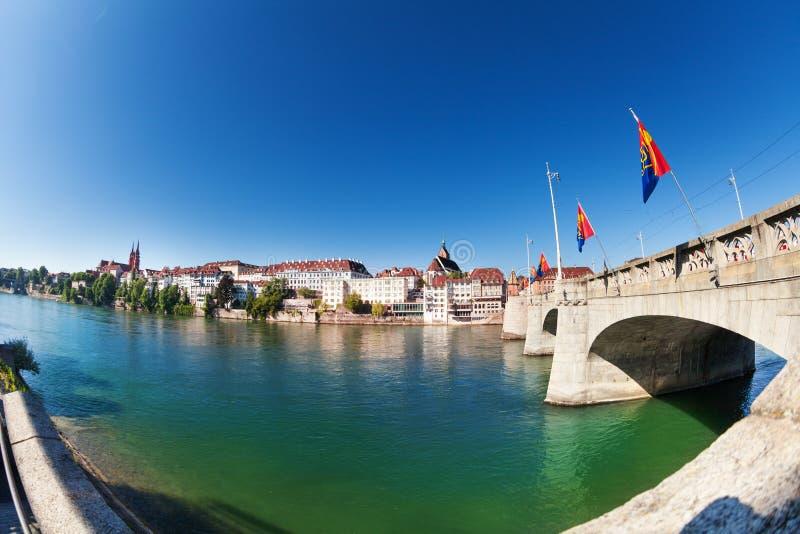 Ποταμός του Ρήνου και μέση γέφυρα, Βασιλεία, Ελβετία στοκ φωτογραφίες