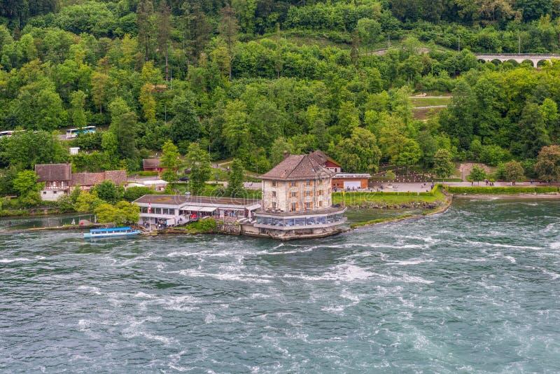 Ποταμός του Ρήνου στις πτώσεις και το Castle Woerth, Schaffhausen του Ρήνου Swit στοκ εικόνες με δικαίωμα ελεύθερης χρήσης