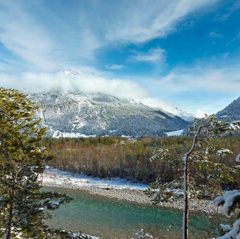 Ποταμός χειμερινών βουνών, Αυστρία, Tirol στοκ εικόνα