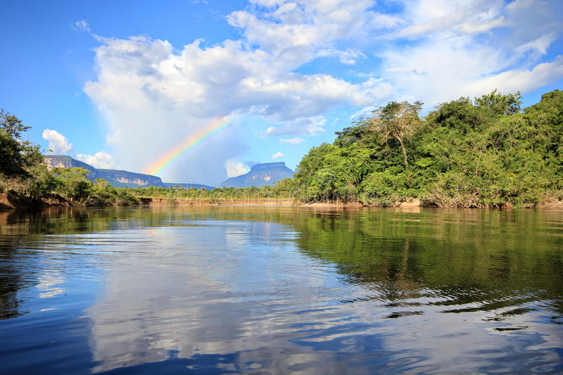 Ποταμός Akana, Βενεζουέλα στοκ εικόνες