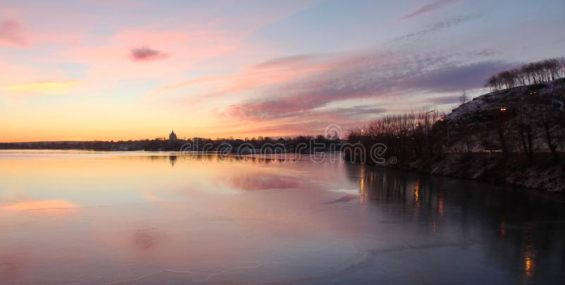 Ποταμός embankmenk στοκ φωτογραφία με δικαίωμα ελεύθερης χρήσης