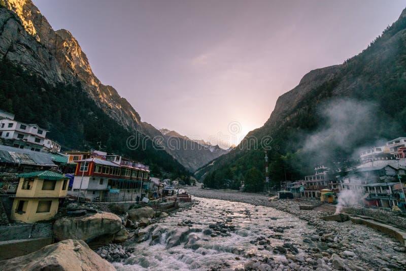 Ποταμός Ganga - ναός Gangotri Ghat - Uttrakhand στοκ φωτογραφίες με δικαίωμα ελεύθερης χρήσης