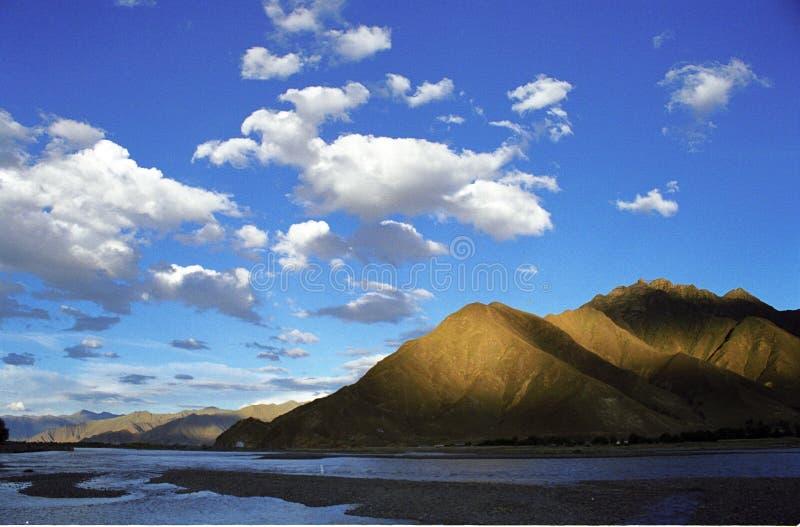 ποταμός lhasa στοκ φωτογραφία με δικαίωμα ελεύθερης χρήσης