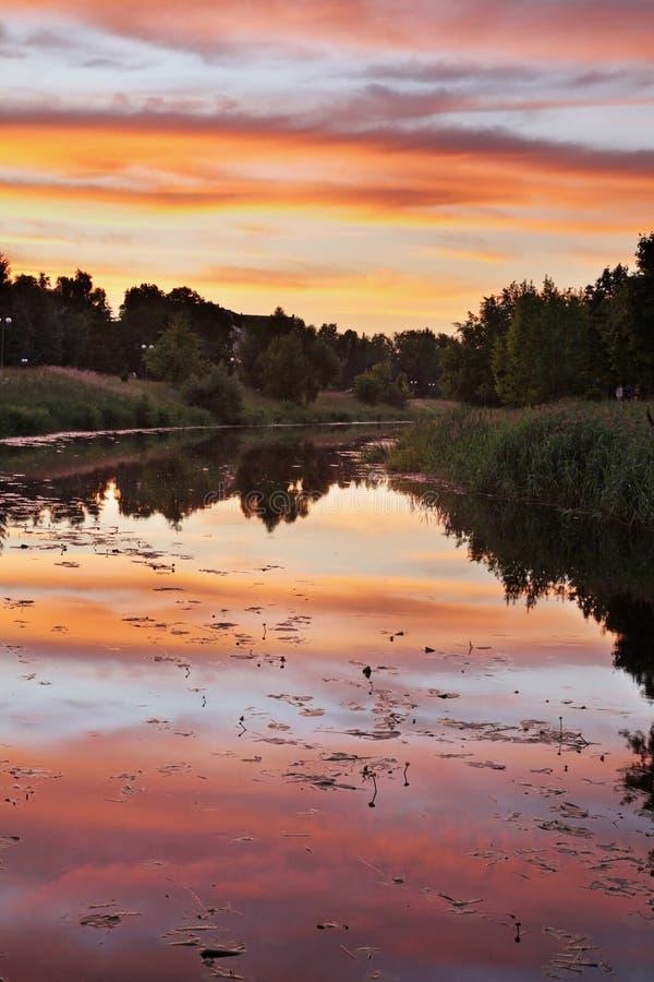Ποταμός Nevezis σε Panevezys Λιθουανία στοκ εικόνα με δικαίωμα ελεύθερης χρήσης