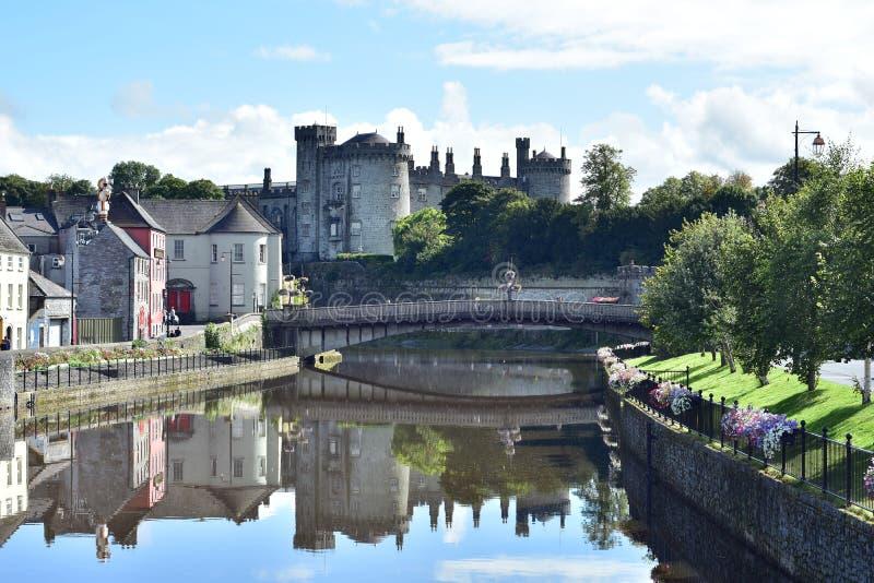 Ποταμός Nore και κάστρο Kilkenny στοκ εικόνα