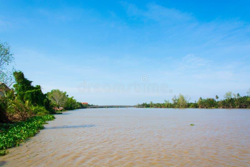 Ποταμός Pakong κτυπήματος με το μπλε ουρανό στοκ εικόνες με δικαίωμα ελεύθερης χρήσης