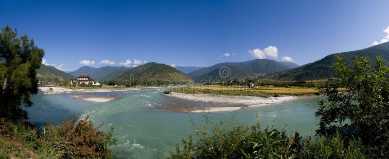 ποταμός punakha MO chhu του Μπουτάν dzong στοκ εικόνες
