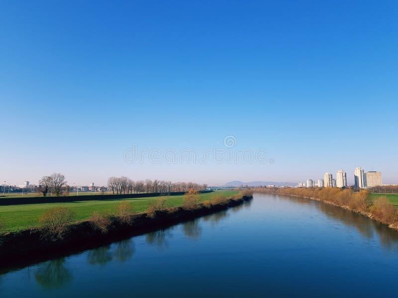 Ποταμός Sava μια σαφή ημέρα στοκ φωτογραφίες με δικαίωμα ελεύθερης χρήσης